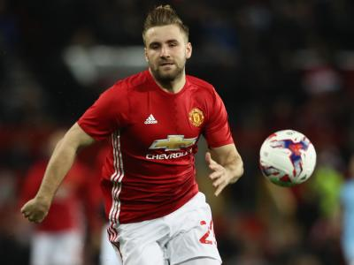 Manchester United's Luke Shaw chases the ball